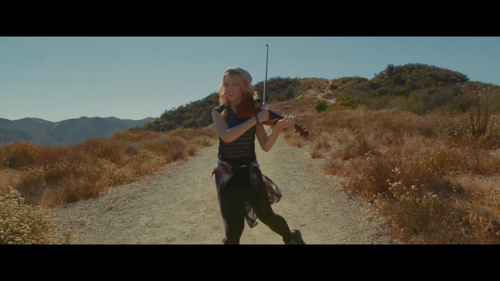 Lindsey Stirling Dazzles in New