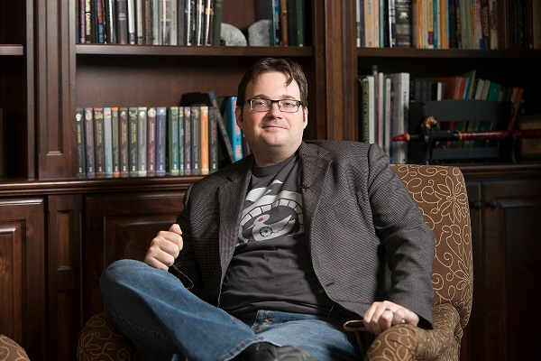 "A Decade After Start of ""Mistborn"" Series, Brandon Sanderson Revisits Question that Started It All"